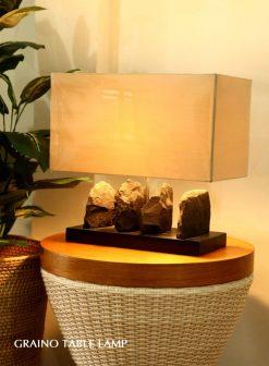 Solo decorative table lamp